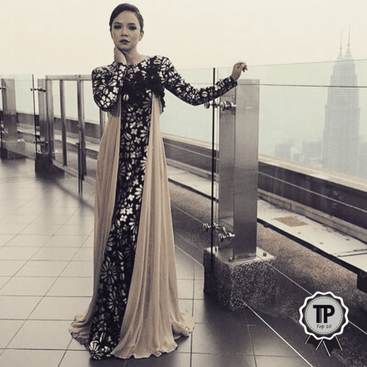 top-10-malaysian-fashion-designers-to-watch-nazreen-idris