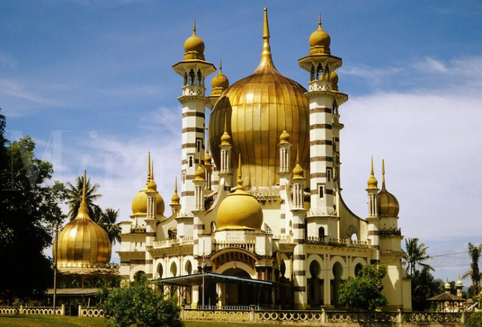 20 Most Beautiful Mosques in Malaysia