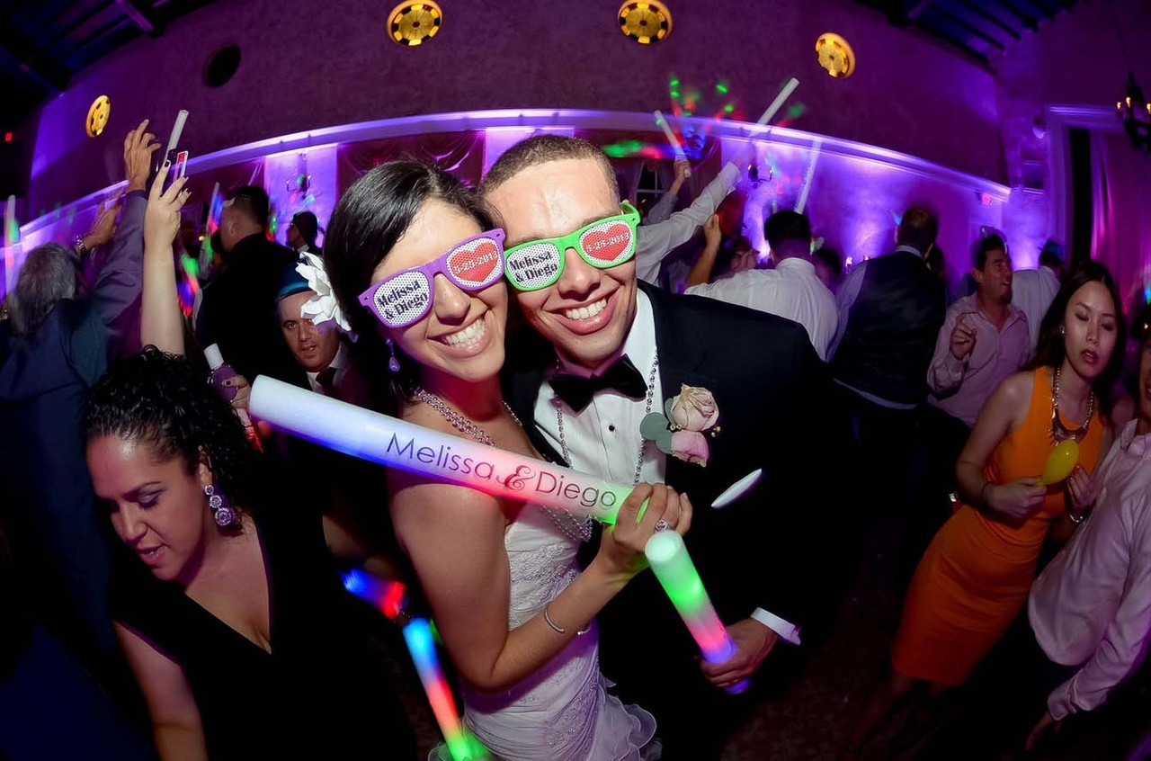6 Ways To Boost Your Wedding Entertainment Factor