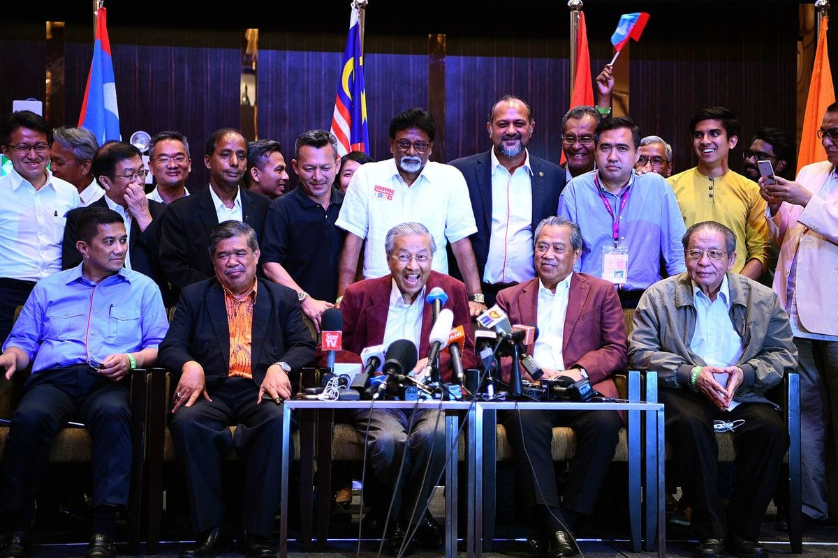 ministers articles reshuffle cabinet to react new