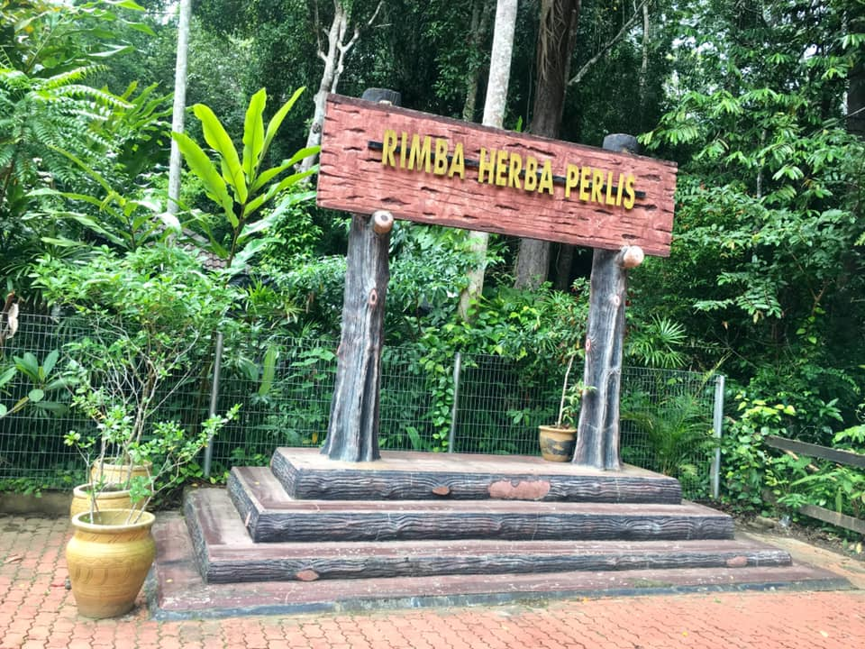 The main signpost of Perlis Herbal Forest (Rimba Herba Perlis)
